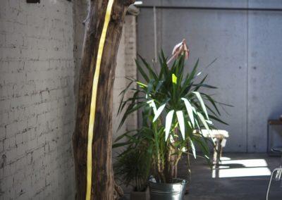 Lampa stojąca do wnętrza. Pniak duży