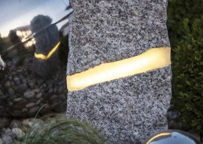 Lampa ogrodowa - Kamień granit