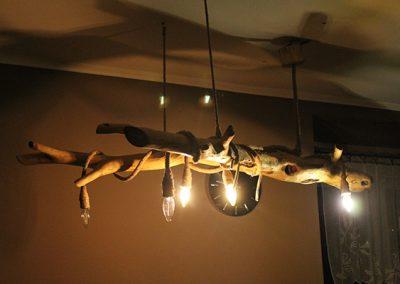 lampa wiszaca- gałąź